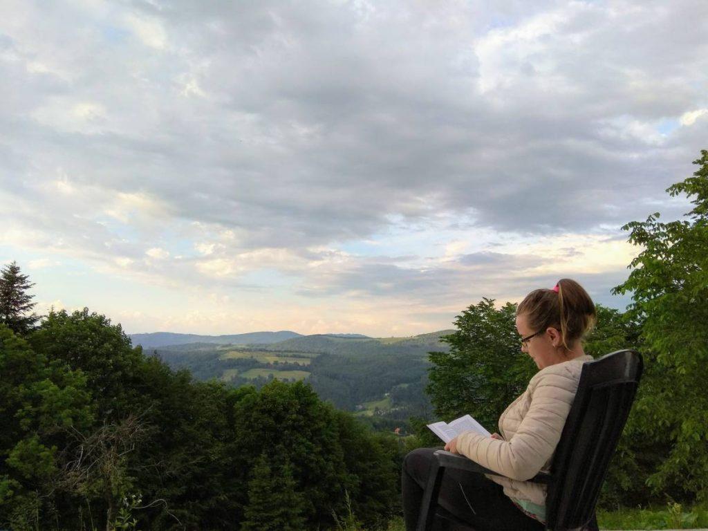 książka w górach