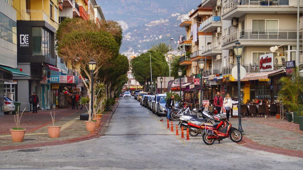 Ulica przy deptaku