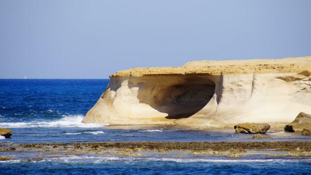 Jaskinia na północy Gozo