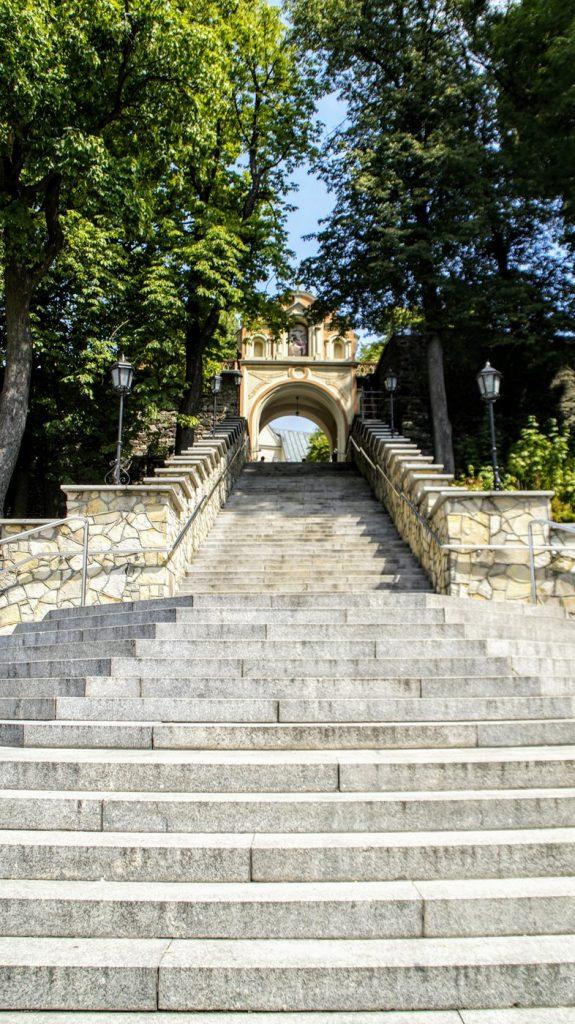 Słynne schody na Górze św. Anny