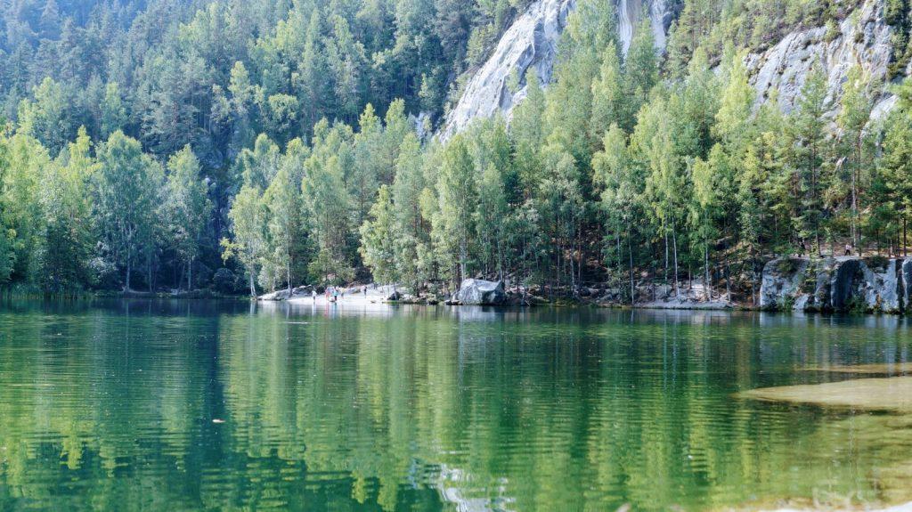 skalne miasto adrspach- jezioro