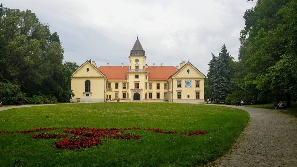 pałac tarnowski w dzikowie