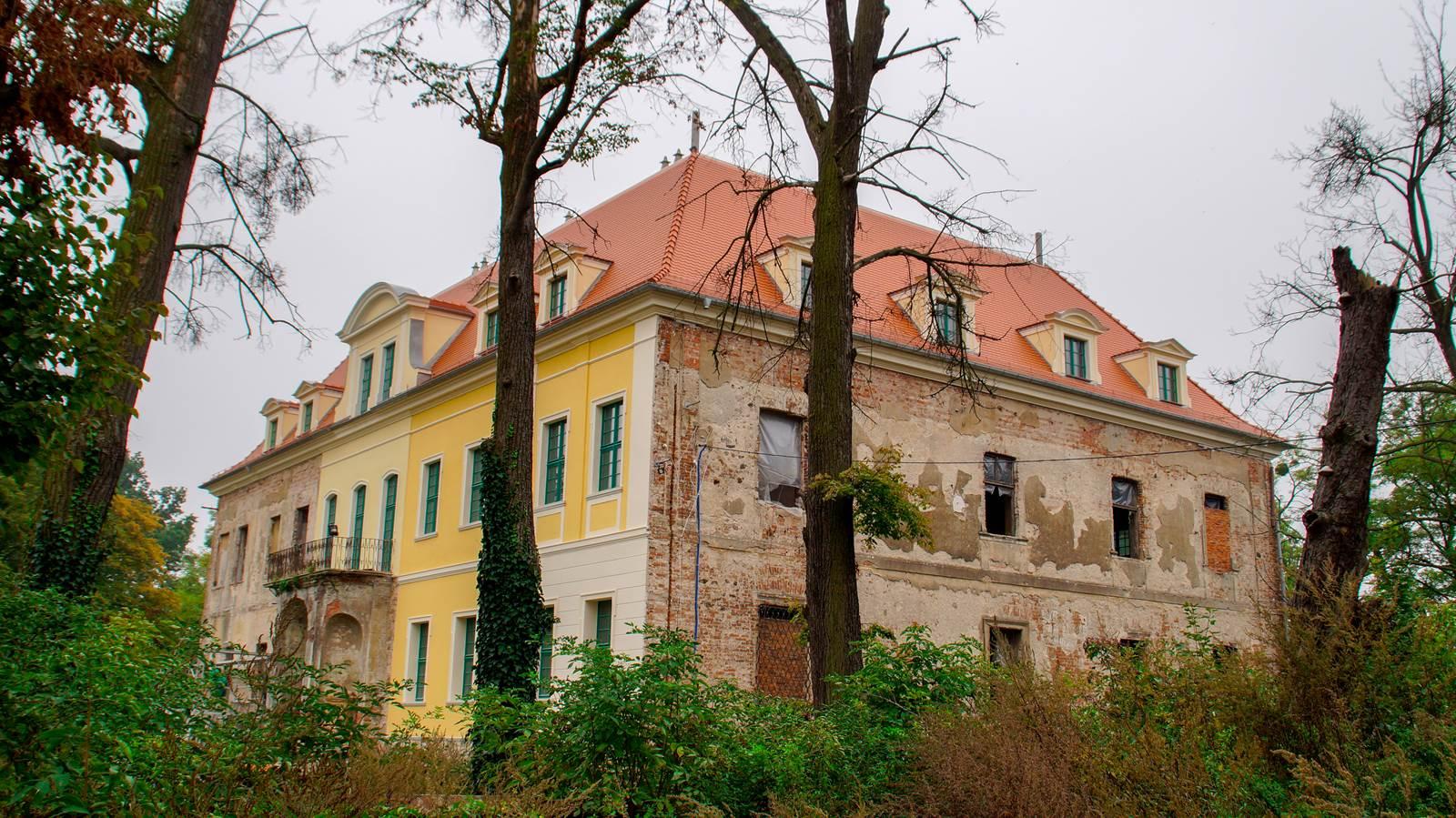 Pałac Osiek Grodkowski
