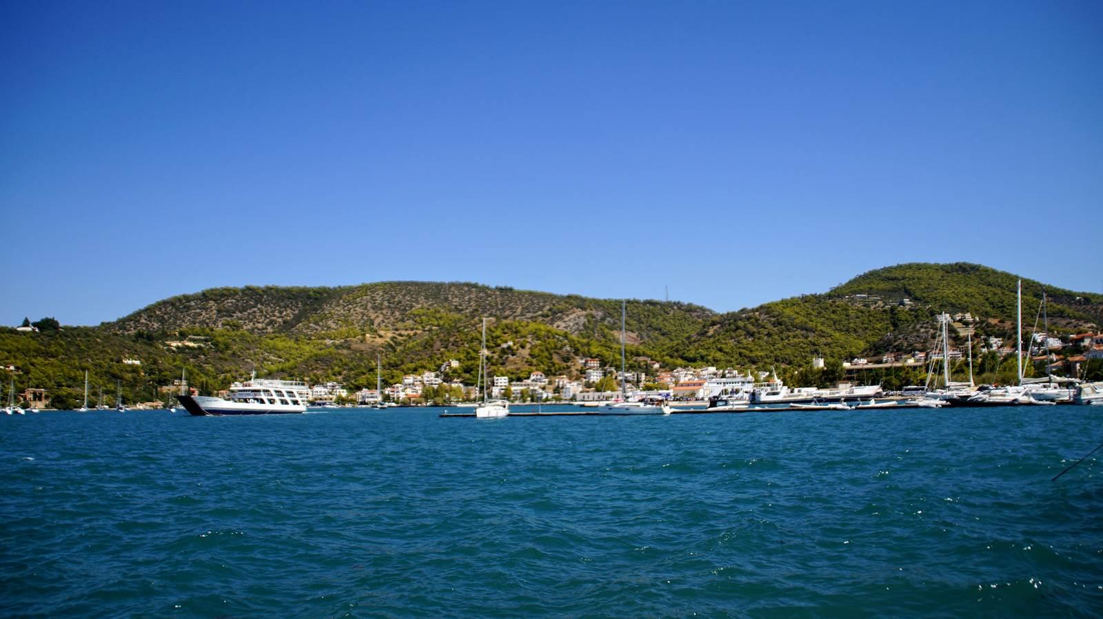Widok z promu na Peloponez