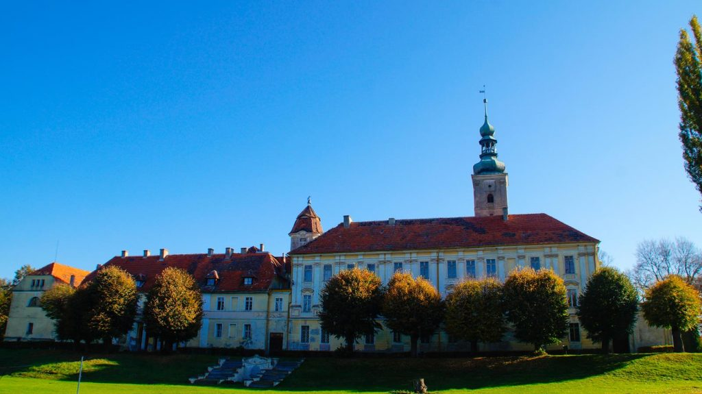 pałac w Oleśnicy Małej