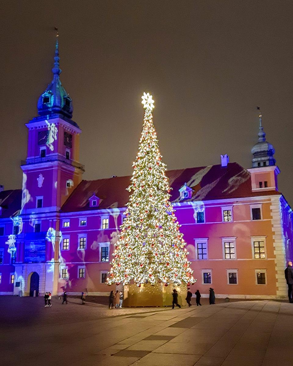 Zamek Królewski w Warszawie zimą